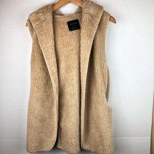 Love Tree Fuzzy Hooded Vest Small